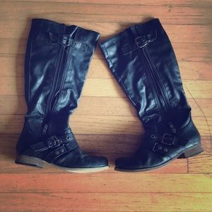 Brand Carlos Santana. Black boots. Great condition
